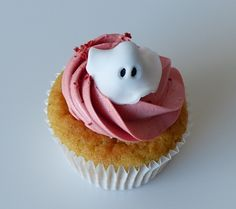 Gluten & Dairy-free Vanilla & Strawberry Cup-cake with Halloween decoration @ Special bites