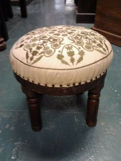 round single seat -different colours. Ottomans, Different Colors, Cushions, Colours, Chair, Furniture, Home Decor, Recliner, Homemade Home Decor