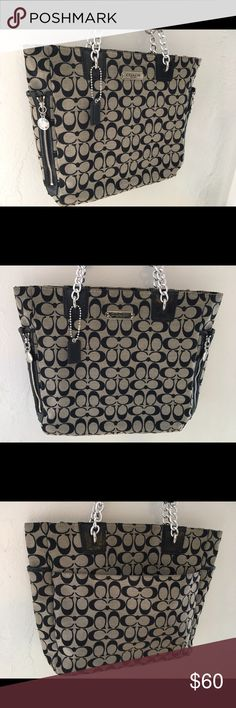 Coach tote bag! Good condition!! Authentic Coach Bag in good condition. Gently used. This is a re-posh because i apparently went insane when i found this site and bought over 15 designer bags lol. My closet is overflowing:) Coach Bags Totes