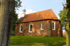 De kerk van Sellingen is een vroeggotisch kerkgebouw in het dorp Sellingen in de gemeente Vlagtwedde in Oost-Groningen, die gebouwd is omstreeks 1300. 3 oktober 2014. Foto Ineke Smit