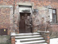 Auschwitz, Pologne | 9 Haunting Alors et maintenant Photos de la Seconde Guerre mondiale en Europe - créé par Jo Teeuwisse