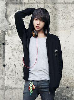 Korean Fashion Trends you can Steal – Designer Fashion Tips Cute Korean Boys, Korean Men, Asian Boys, Asian Men, Korean Fashion Styles, Asian Fashion, Korea Fashion, India Fashion, Male Clothes