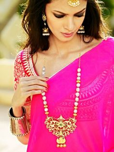 This Dress, That Detail: Hot Pink Anita Dongre Saree and Spring Flowers