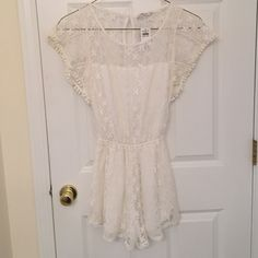 Abercrombie and Fitch ivory lace romper A&F ivory lace lined romper NWT never worn in mint condition Abercrombie & Fitch Other