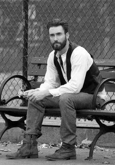 Adam Levine had great hair and a great beard. He's HOT! I Love Beards, Great Beards, Hipsters, Adam Levine Beard, Master Barber, Blake Shelton, Beard No Mustache, Gentleman Style, Man Fashion