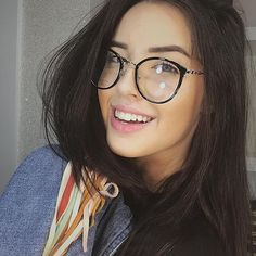 Glasses Frames Trendy, Cute Glasses, New Glasses, Girls With Glasses, Fashion Eye Glasses, Kawaii Clothes, Womens Glasses, Specs, Eyewear
