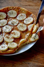 Fit jest Git: Omlet z masłem orzechowym i bananami - New Ideas Diet Recipes, Healthy Recipes, Peanut Butter, Sausage, Good Food, Food And Drink, Health Fitness, Lunch, Meals