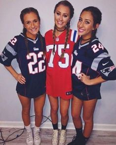 trendy sport day outfit spirit week football costume for teens Football Halloween Costume, Cute Group Halloween Costumes, Fete Halloween, Halloween Outfits, Girl Costumes, Group Costumes, Trendy Halloween, Couple Halloween, Sports Costumes