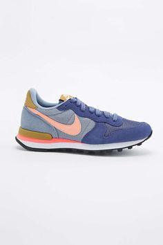 Nike Internationalist Trainers in Purple - Urban Outfitters