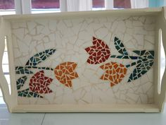 Mosaic Tray, Mosaic Tiles, Mosaic Furniture, Mosaic Art Projects, Mosaic Artwork, Mosaic Flowers, Tole Painting, Infant Activities, Glass Table