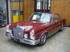 Mercedes-Benz 250SE coupe
