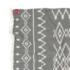 Rothirsch inca towel black front detail