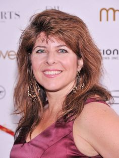 """Naomi Wolf """"A cultural fixation on female thinness is not an obsession about female beauty but an obsession about female obedience"""""""