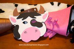 Disfraz de vaca con tela de peluche.