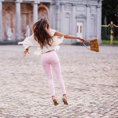 Diving (or should I say flying?) into childhood memories in my latest blog post on boldblissblog.com. This perfect pink @scotchofficial jeans is inspired by one of my favourite childhood heroes - read my blog to find out who!