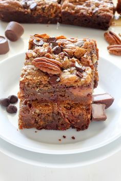 Salted Caramel Chocolate Pecan Brown Butter Blondies - these are INCREDIBLE! And so so easy!