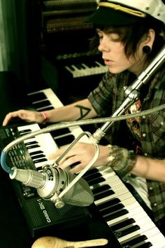 nevershoutnever :: christofer drew