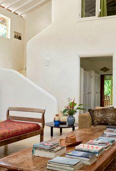 O conceito é o da simplicidade poética, mas essa casa em Trancoso é espetacular.