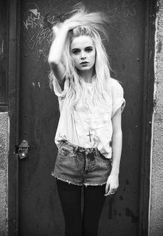 grunge fashion - black and whtie