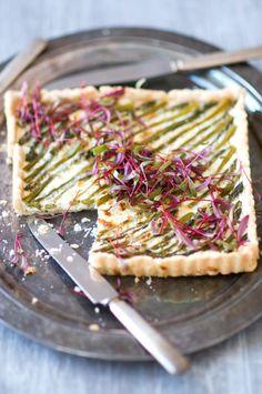 asparagus ricotta tart. yum!