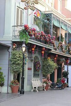 Hmm, maybe we can add a little something something to our balcony? What do you think?  New orleans . Usa