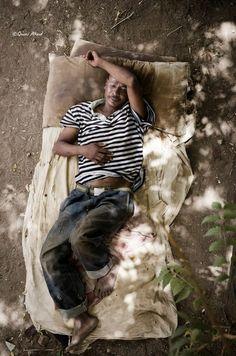 Humans of Khartoum Q&A With Sudanese Photographer Qusai Akoud • LensProToGo Labs