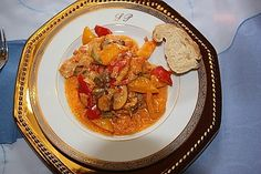 Brittas Räuberfleisch 3 Ratatouille, Thai Red Curry, Food And Drink, Meals, Chicken, Ethnic Recipes, Grated Cheese, Roasts, Eat Lunch