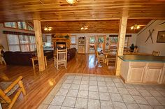 Looking for a large cabin that will be perfect for a large family gathering?  Bear Britches Lodge is a perfect 7 bedroom cabin that sleeps 22 located in Pigeon Forge, TN.