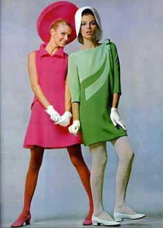 1967 L'officiel magazine Pierre Cardin.