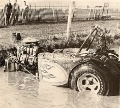 """Dale Emery ended up in the """"Pond"""" at Fremont, upside down. Other racers and officials flipped Pure Hell over, saving Dale from drowning. Note the """"AA H/R"""" designation in front of the rear tire. Dragster, Nhra Drag Racing, Auto Racing, Drag Bike, Classic Hot Rod, Old Race Cars, Vintage Race Car, Drag Cars, Vintage Motorcycles"""
