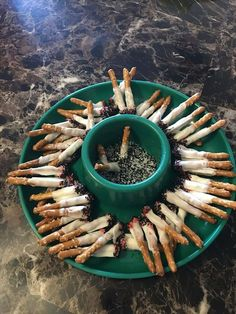 Of Today's Freshest Pics And Memes Great Halloween snack! Pretzel sticks dipped in white chocolate, arranged to look like cigarette butts. Pretzel sticks dipped in white chocolate, arranged to look like cigarette butts. Pretzel Dip, Pretzel Sticks, Dipped Pretzels, Halloween Food For Party, Halloween Treats, Halloween Buffet, Halloween Desserts, Trailer Trash Party, White Trash Party