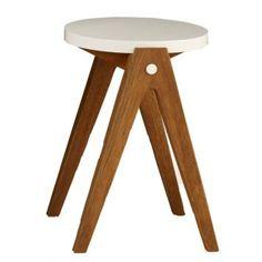 Banqueta BrancaA Banqueta é referência em design e conforto. Produzida em madeira maciça e pintura em Laca, este produto deixará…
