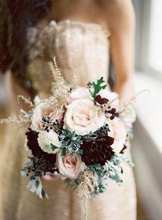 Hier findest du tolle Brautstrauß Ideen und Inspirationen für deine Winterhochzeit! #January #wedding #winter