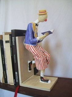Book End Clown : 59 Best Ideas For Diy Paper Dolls Papier Mache Clay Dolls, Art Dolls, Diy Paper, Paper Art, Create A Bookmark, Sculpture Textile, Sculpture Art, Custom Bookmarks, Paper Mache Crafts