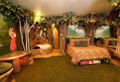 Enchanted forest bedroom- could be really cute, modified for a child Forest Bedroom, Woodland Bedroom, Fairy Bedroom, Dream Bedroom, Kids Bedroom, Enchanted Forest Room, Bedroom Themes, Bedroom Decor, Bedroom Ideas