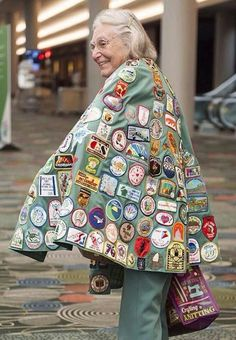 Volunteer Spotlight: A Cape Full of Patches and a Heart Full of Girl Scout Love Girl Scout Swap, Girl Scout Leader, Girl Scout Troop, Boy Scouts, Brownie Girl Scouts, Girl Scout Cookies, Conquistador, Girl Scouts Of America, Girl Scout Patches