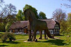 Ein trojanisches Pferd in #Mecklenburg - das Schliemann-Museum in #Ankershagen. Foto: Thomas Kunsch #meckpomm #kultur #museum #troja #antike #seenplatte