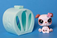 Littlest Pet Shop Tan White Bulldog #2106 Blue Eyes Pink Flower Jet Dog &Carrier #Hasbro