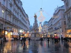 A guide to shopping, eating and Christmas markets in Vienna ...