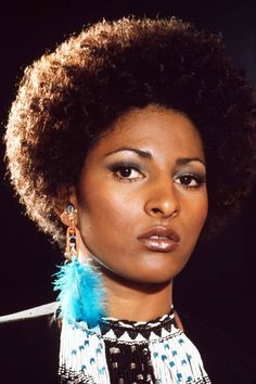 Style Garçonne, Style Afro, Style Star, Daily Style, Faye Dunaway, Black Is Beautiful, Black Actresses, Blonde Actresses, Black Actors