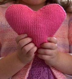 Spread the love with these amazing free heart knitting patterns. Knitting patterns for heart decorations, pillow, sachets and more! Knitted Heart Pattern, Knit Slippers Free Pattern, Cable Knitting Patterns, Free Knitting, Baby Knitting, Knit Christmas Ornaments, Christmas Knitting, Valentine's Day Crafts For Kids, Plymouth Yarn