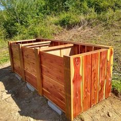 The Best Triple Compost Bin : 5 Steps (with Pictures) - Instructables Build Compost Bin, Homemade Compost Bin, Wooden Compost Bin, Garden Compost, Galvanized Nails, Kitchen Waste, Wooden Slats, Garbage Can, Baseboards