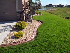 Unique Brick Designs Add Texture to Your Yard Edging - Best Lawn Edging Ideas: Beautiful, Simple, Easy Lawn Borders, Landscape Edging, Garden Edges Budget Garden, Cool Landscapes, Garden Design, Brick Garden, Landscape Design, Landscape Curbing, Landscaping With Rocks, Backyard, Concrete Landscape Edging