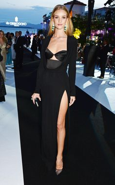 """Rosie Huntington-Whiteley in Cushnie Et Ochs 
