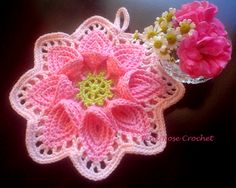 **I can't find the pattern for this, but I pinned it for inspiration**\ PINK ROSE CROCHET /: Pega Panelas Flor - Crochet Calla Lily Potholders