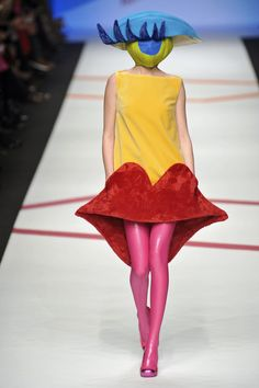 Agatha Ruiz de la Prada Fall 2009. What in the sizzling hell is this?  Enjoy RUSHWORLD boards, WTF FASHIONS, UNPREDICTABLE WOMEN HAUTE COUTURE and WELCOME TO HELL HERE ARE YOUR SHOES. Follow RUSHWORLD on Pinterest! New content daily, always something you'll love!