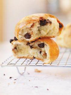 Chocolate Brioche, Chocolate Chocolate, Donut Recipes, Bread Recipes, Brioche Rolls, Brioche Bun, Ricardo Recipe, Cakes Plus, French Tips