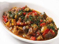 Как приготовить соте из баклажанов со сладким перцем и помидорами. Ингредиенты. Описание приготовления вкусного блюда из баклажанов.