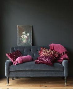 grey + pink/ burgundy love.