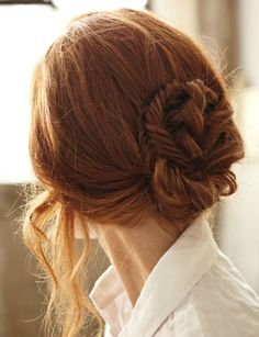"""The sun on a brunette's hair looks red. The sun on a redhead's hair looks like Heaven on Earth."" ♥ I miss my red hair. Low Bun Hairstyles, Pretty Hairstyles, Wedding Hairstyles, Wedding Updo, Make Up Braut, Twist Braids, Twists, Side Braids, Hair Day"